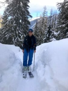 Becki ski touring in Bérard valley